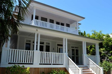 T-Whale-Beach-House